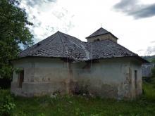 bývalý kostol v Sirku